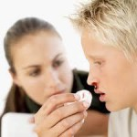 Почему иногда из носа течет кровь?