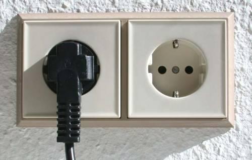 WExplain.ru - Почему электроприборы имеют двойной провод?