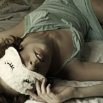 Почему человек дергается во сне?