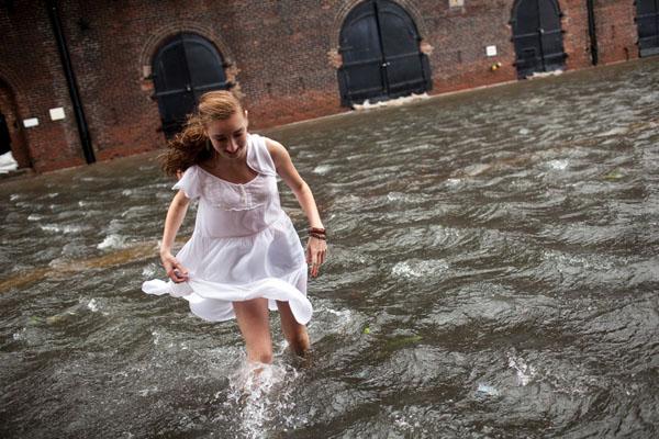 WExplain.ru - Почему тайфуны и ураганы называют женскими именами?