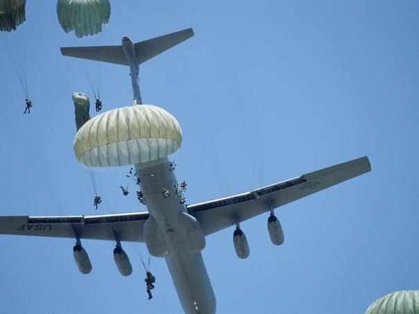 WExplain.ru - Почему в пассажирских самолетах нет парашютов?