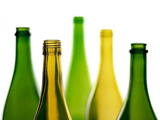 WExplain.ru - Почему нельзя ставить пустую бутылку на стол?