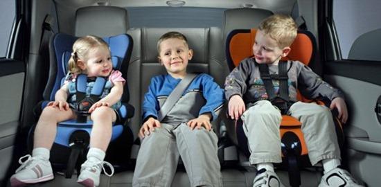 WExplain.ru - Как обезопасить ребенка в машине?