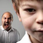 Почему взрослые кричат на своих детей?