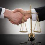 Как правильно нанять адвоката?